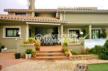 maison a vendre espagne costa brava, ref.1042, à 200 m de la gare, piscine couverte au sel, grand garage