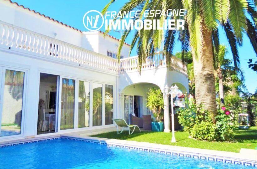 agences immobilières empuriabrava: villa avec piscine, garage, proche plage