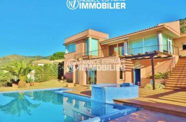 achat immobilier costa brava: villa ref.2058, vue sur la piscine et la façade extérieur