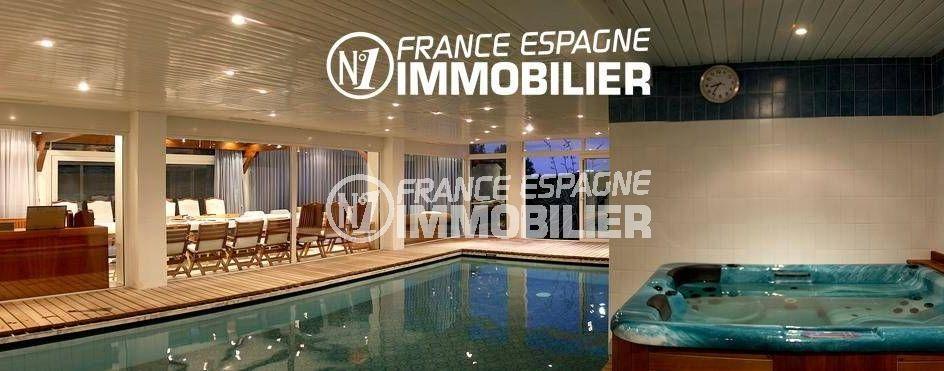 immobilier roses espagne: villa ref.2786, vue sur la piscine intérieure et le jacuzzi