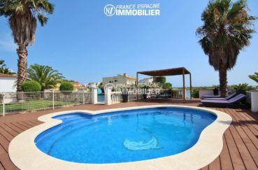 achat roses espagne: villa 179 m², vue sur la piscine de 7 m x 3,5 m