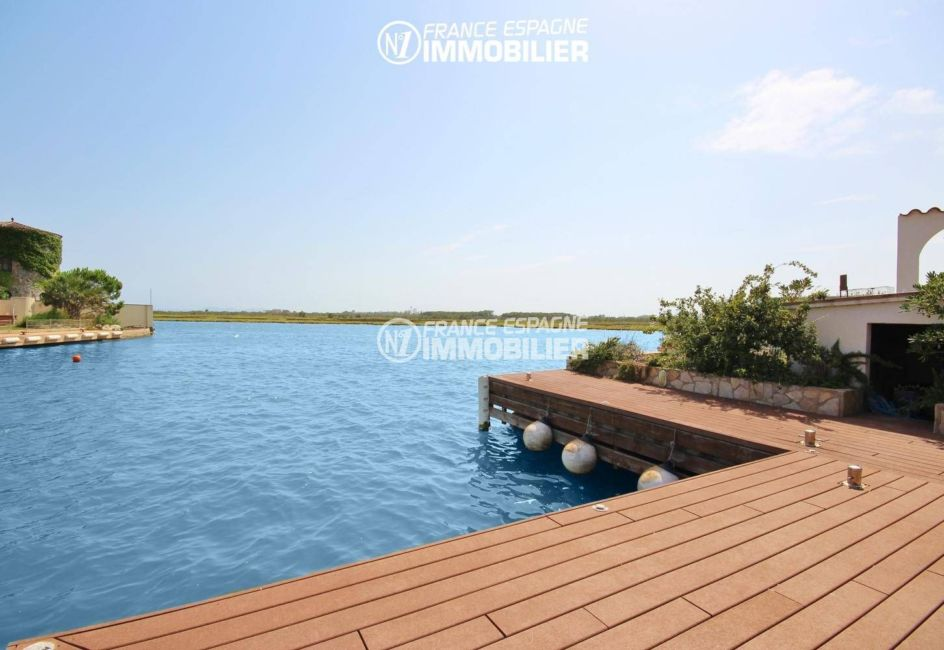 agence immobiliere rosas santa margarita: villa 179 m², aperçu de l'amarre de 15 m