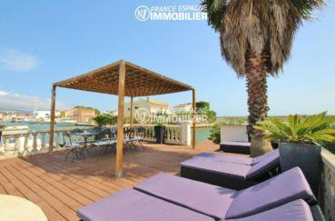 maison a vendre espagne, parking, vue sur le canal depuis la piscine / terrasse