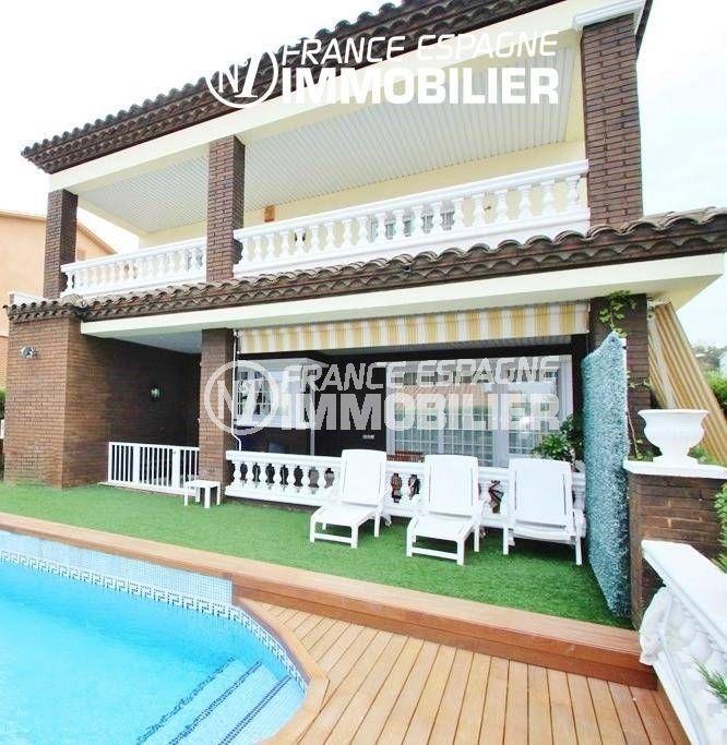 vente immobiliere rosas: villa ref.1636, coin détente près de la piscine, vue sur les terrasses