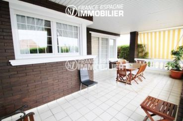 vente immobilier rosas espagne: villa ref.1636, terrasse donnant sur le salon / séjour accès porte fenêtre