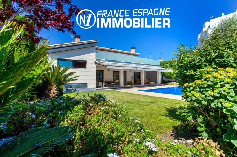 immo rosas: villa ref.3220, vue sur le canal avec amarre de 22 m, piscine, jardin