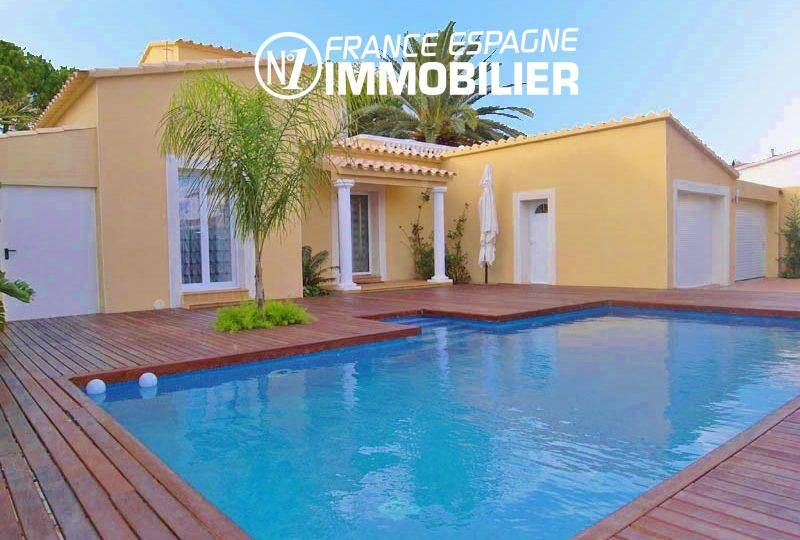 immobilier empuriabrava: villa vue canal avec amarre 20 m & piscine