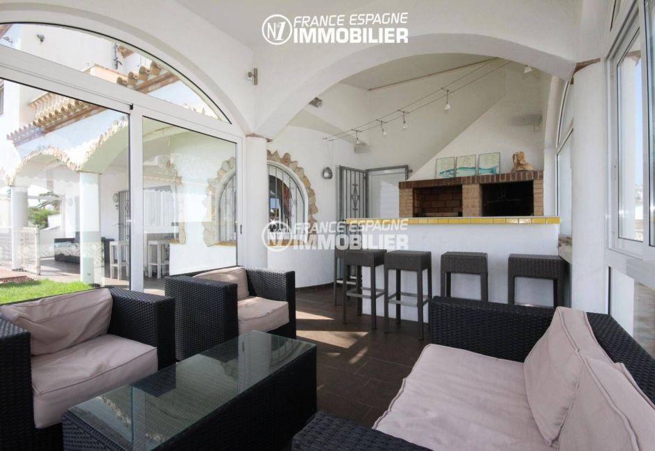 achat villa rosas espagne: villa 179 m², terrasse véranda avec cuisine d'été accès jardin