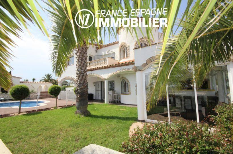 immo center rosas: villa 179 m², aperçu de la véranda accès au jardin et piscine