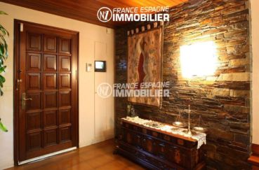 vente immobilière rosas: villa ref.2786, vue sur la porte et le hall d'entrée