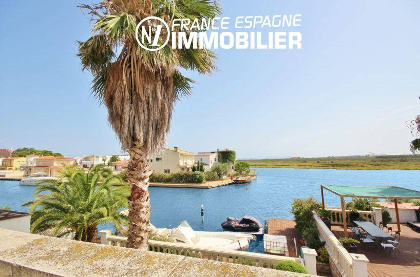 agence rosas: villa parking, vue plongeante sur le canal et l'amarre de 15 m