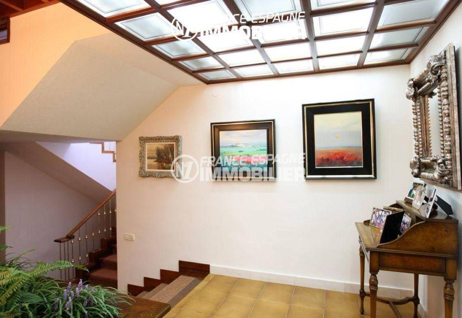 vente immobiliere rosas espagne: villa ref.2786, hall d'entrée qui dessert les escaliers