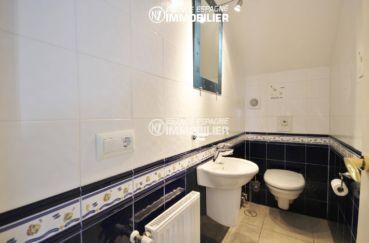 la costa brava: villa 179 m², aperçu des toilettes indépendantes avec lavabo