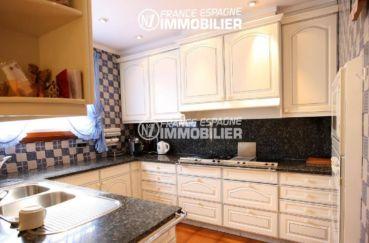 maison a vendre espagne, ref.2786, cuisine équipée et fonctionnelle avec des rangements