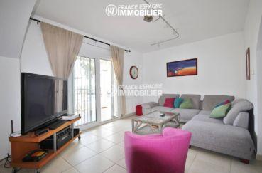 rosas en espagne: villa 179 m², salon / séjour lumineux accès jardin
