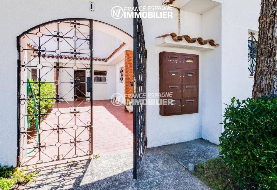 immo empuriabrava: villa ref.3305, portail d'entrée sur la terrasse