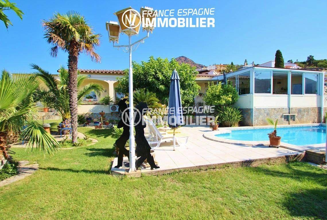 immo roses: villa ref.2606, aperçu du magnifique jardin de 847 m² avec la piscine