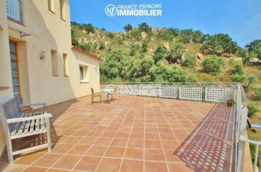 villa grande terrasse avec paysage montagneux   ref.3203