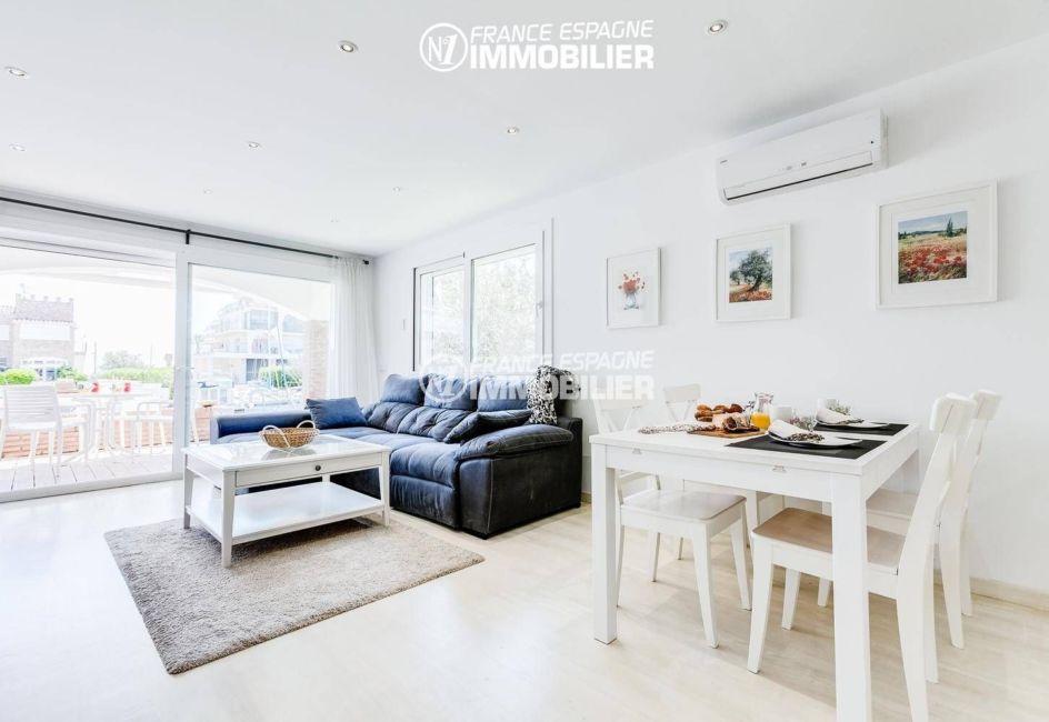 immobilier ampuriabrava: villa ref.3305, grand séjour / salle à manger