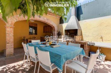 la costa brava: villa ref.3306, terrasse avec cuisine d'été et barbecue coin repas