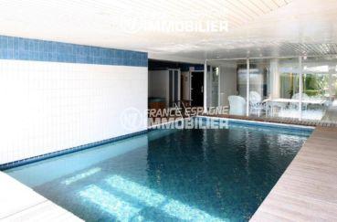 vente villa rosas, ref.2786, vue sur la piscine avec jacuzzi et sauna