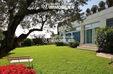 acheter maison costa brava, ref.2786, vue sur le jardin avec accès porte coulissante