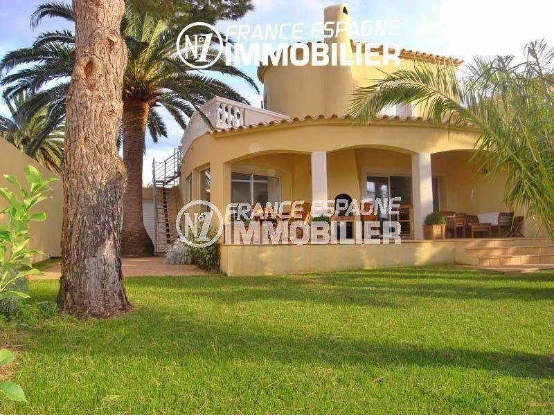 immobilier espagne: villa 200 m², vue canal avec amarre 20 m & piscine