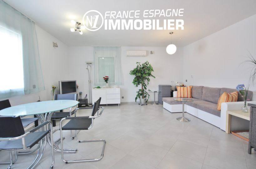 immocenter empuriabrava: villa ref.911, séjour / salon donnant sur terrasse
