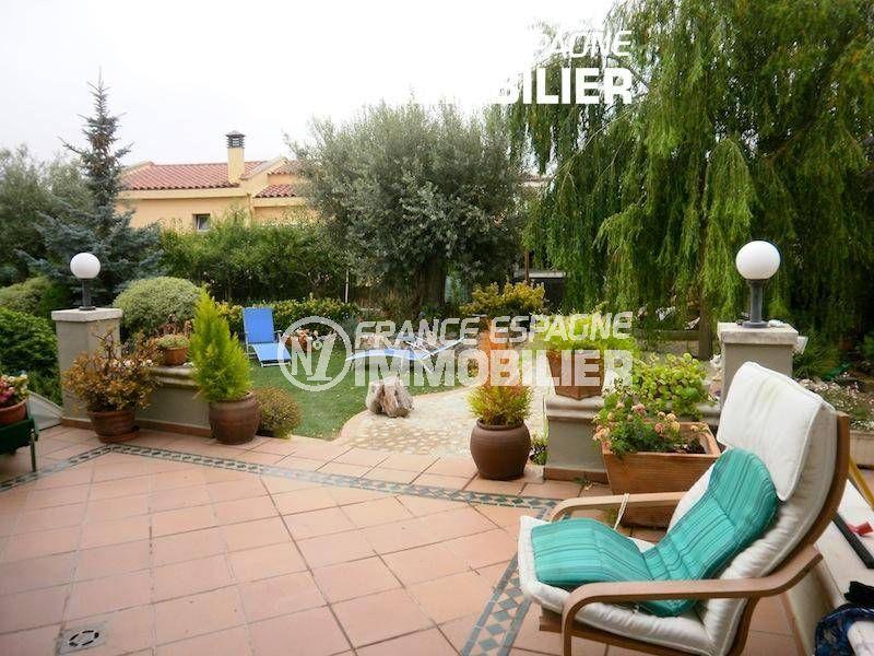 la costa brava: villa ref.1042, vue sur la terrasse avec coin détente aménagé