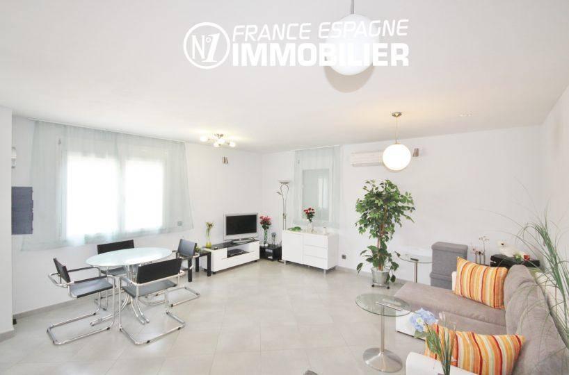 immobilier ampuriabrava: villa ref.911, séjour / salon lumineux (2° villa)