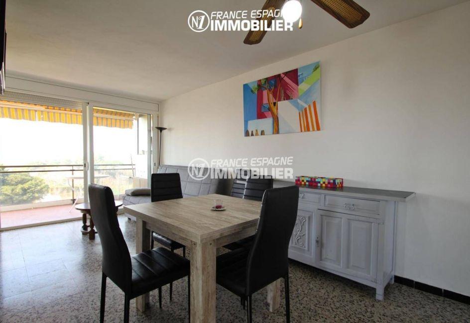 immo costa brava: appartement ref.3363, séjour aavec accès terrasse 9 m²