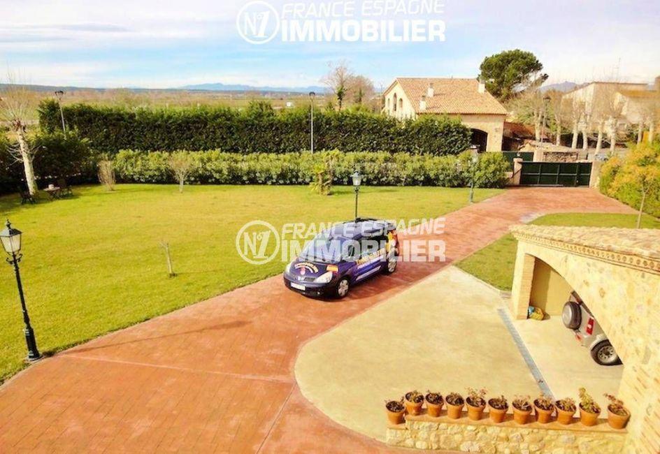 la costa brava: villa ref.936, aperçu du terrain de 2200  m², portail d'entrée