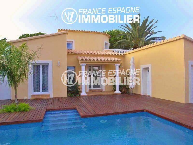 maison a vendre espagne: 200 m² avec amarre, piscine, jardin 700 m²