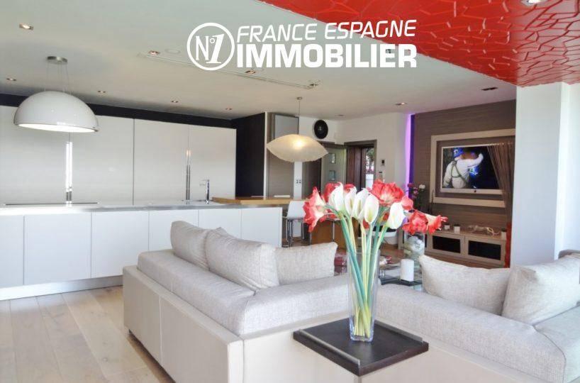 vente immobiliere rosas espagne: villa ref.312, séjour moderne avec cuisine américaine