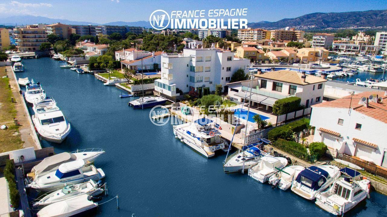 immo espagne costa brava: villa ref.3220, magnifique vue du canal donnant sur la villa