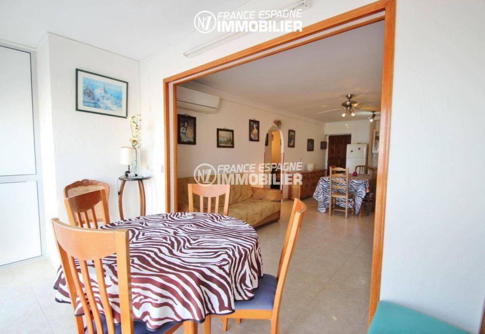 immobilier empuria brava: appartement 53 m², terrasse de 10 m² qui dessert le salon / séjour
