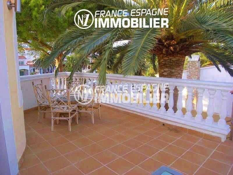 acheter en espagne: villa 200 m², vue canal avec amarre, solarium & piscine