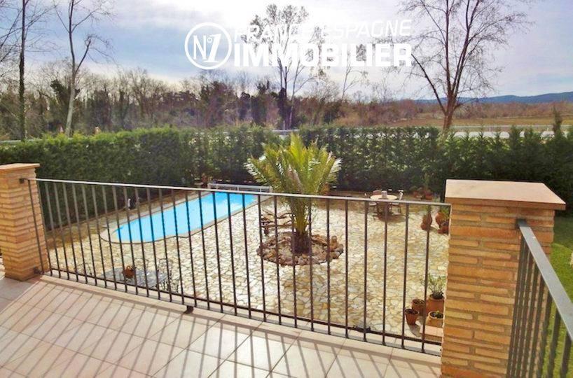 maison a vendre espagne bord de mer, ref.936, vu sur la piscine depuis la terrasse