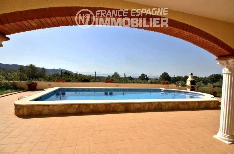 maison a vendre roses, 283 m² terrain 595 m² avec piscine, vue mer imprenable