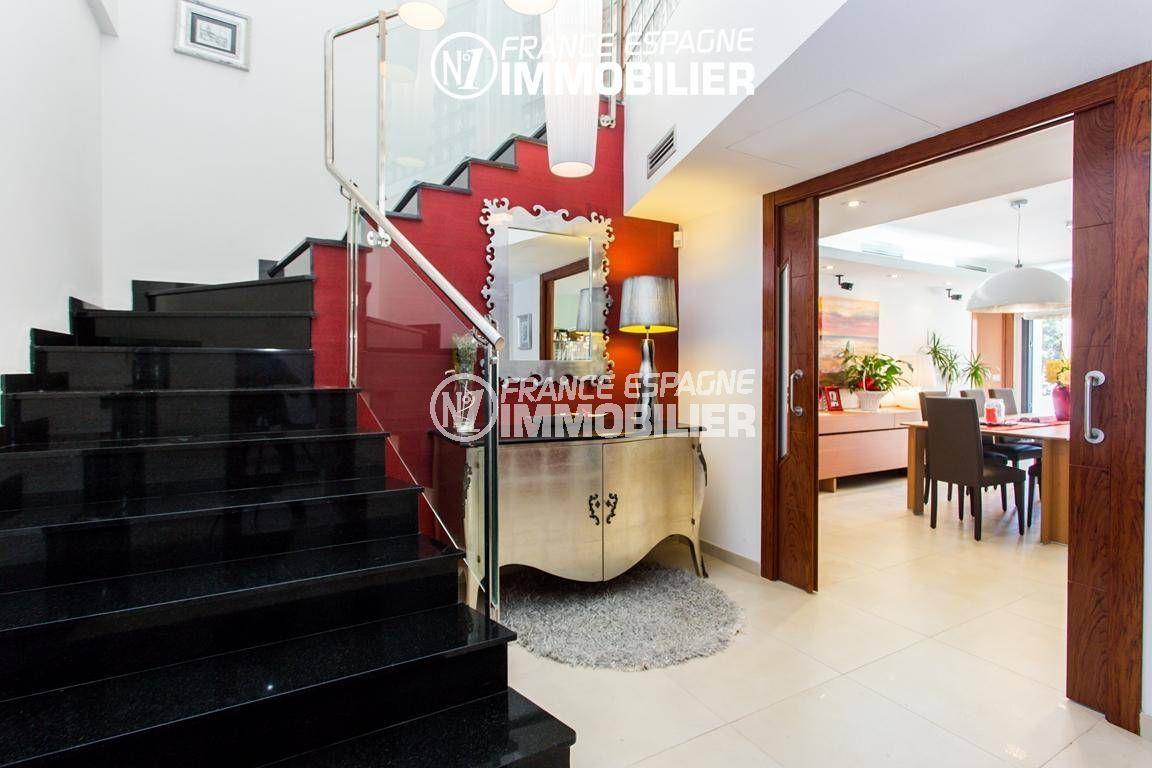 maison a vendre espagne, ref.3220, hall d'entrée spacieux donnant  sur l'étage + salon