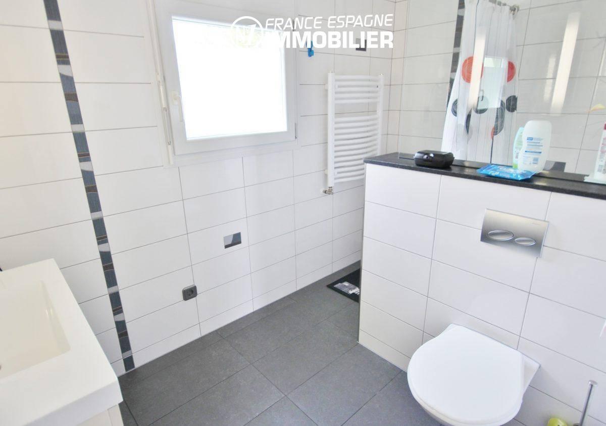 empuriabrava immobilier: villa ref.911, première salle d'eau (2° villa)