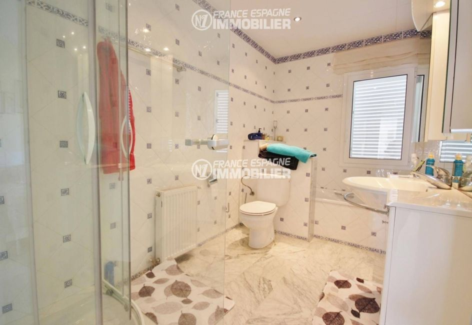 agence immobilière roses: villa ref.3326, aperçu salle de bain, suite 1