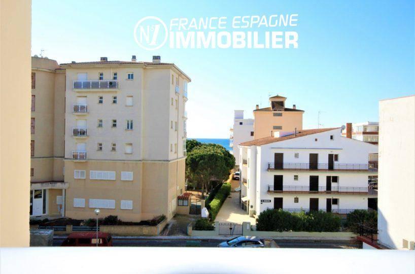 acheter appartement rosas, proche plage, séjour + 2 chambres, parking