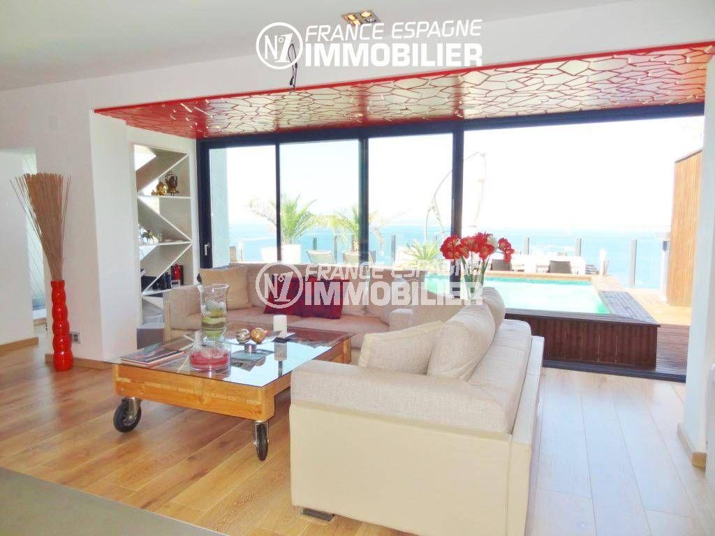 vente maison rosas espagne, ref.312, séjour avec parquet au sol avec accès terrasse