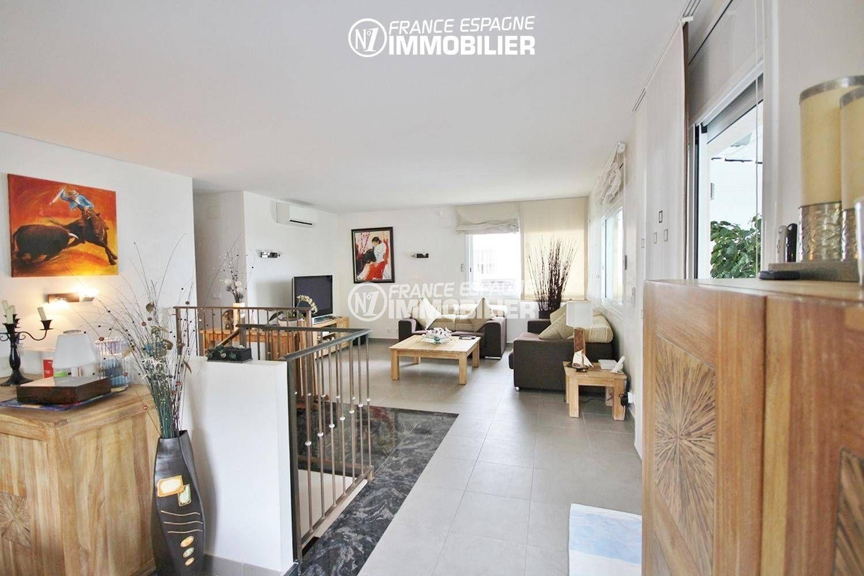 agence immobiliere roses espagne: villa ref.1031, vue sur le salon depuis la terrasse