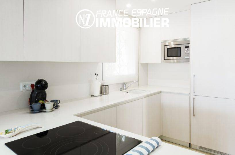 immobilier espagne costa brava: villa ref.3305, vue rapprochée de la cuisine