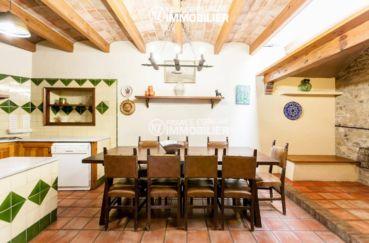immobilier costa brava bord de mer: villa ref.3306, coin repas aménagé dans la cuisine