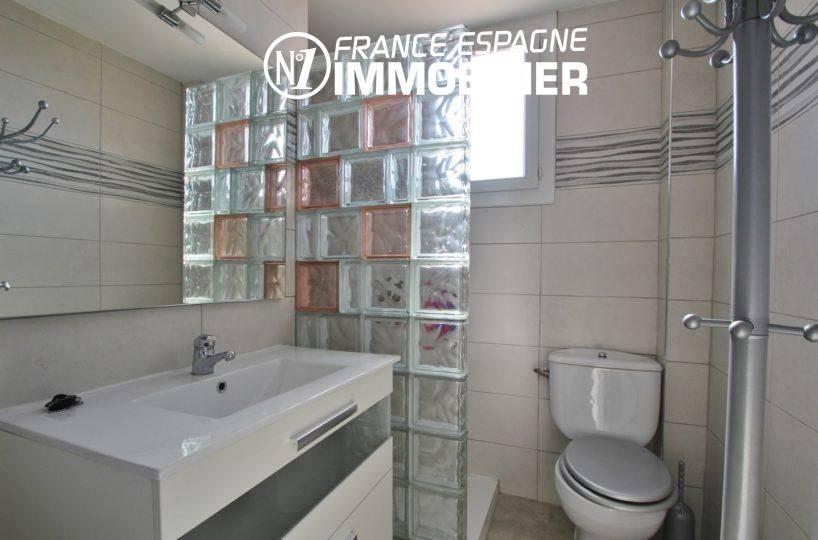 agence immo empuriabrava: appartement ref.3363, aperçu de la salle d'eau