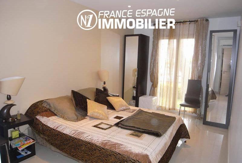 vente maison costa brava, vue canal, 200 m²: 2 suites parentales & 2 appartements