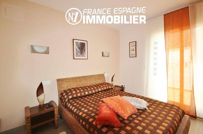 immo roses espagne: villa ref.1031, première chambre avec lit double